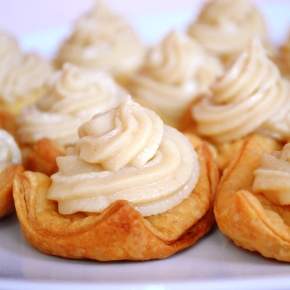 Vanilla Puff Pastry Pillows